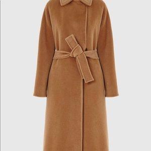 Wool coat. Camel color.